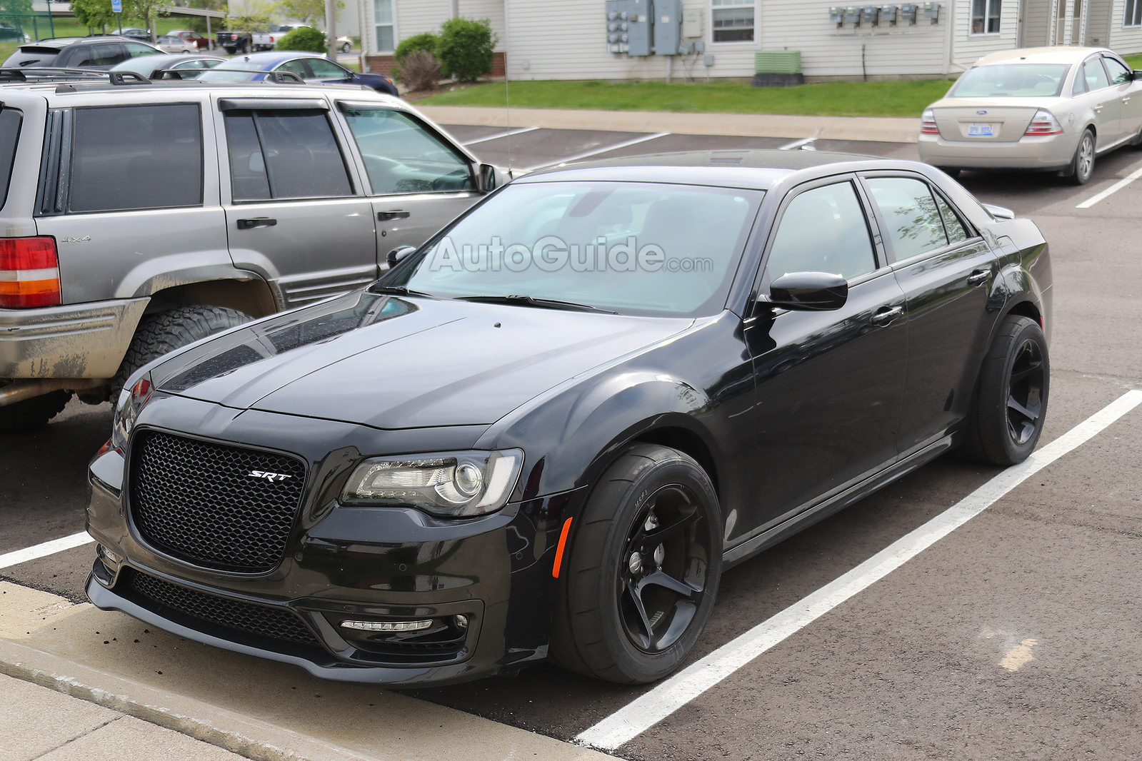 chrysler 300 srt hellcat spy shots srtlife. Black Bedroom Furniture Sets. Home Design Ideas